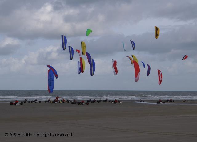 http://apc8.album.free.fr/2bgal/img/200611_GP_Dunkerque/l77.jpg